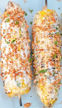Mexican Street Corn Mexican style corn on the cob 5 ears fresh corn, husked Spread: cup mayonnaise 2 Tablespoons sour cream teaspoon garlic salt Juice from one lime For the Topping: cup grated Cotija cheese 1 teaspoon smoked paprika or chili po Mexican Dishes, Mexican Food Recipes, Mexican Cheese, Mexican Corn, Best Mexican Food, Mexican Street Corn Salad, Food Porn, Corn Recipes, Vegetable Recipes