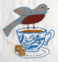 felt applique and embroidery Bird Embroidery, Cross Stitch Embroidery, Embroidery Patterns, Embroidered Bird, Sewing Crafts, Sewing Projects, Art Textile, Felt Applique, Fabric Art