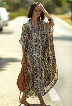 Style Kimono, Moda Hippie, Sarong Dress, Beach Wear Dresses, Maxi Robes, Plus Size Maxi Dresses, Swimsuit Cover, Dress Picture, Elegant Dresses