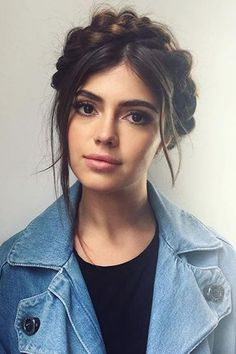 Wonderful Useful Ideas: Asymmetrical Hairstyles With Highlights wedding hairstyles for strapless dress.Braided Hairstyles For Wedding feathered hairstyles ladder braid. Bohemian Hairstyles, Fringe Hairstyles, Box Braids Hairstyles, Trending Hairstyles, Girl Hairstyles, Updos Hairstyle, Rainy Day Hairstyles, Elegant Hairstyles, Wedge Hairstyles