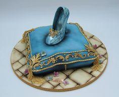 Slipper: Emma Jayne Cake Design, facebook