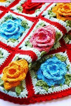 Dos hermosos motivos con flor en relieve…ideal para hacer mantas!!!!