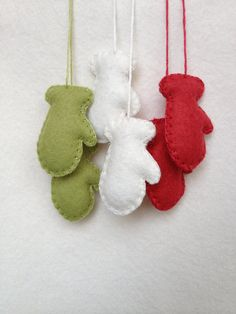 Teeny tiny mittens Christmas triored green white by memeandsaysay, $9.00