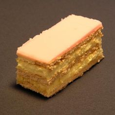 Cremeschnitte - rember this. Beverages, Drinks, Basel, Soul Food, Allrecipes, Delicious Food, Switzerland, Vegetarian Recipes, Cheesecake