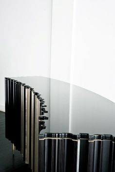 Luis Pons | Frame Collection | Curved Cabinet