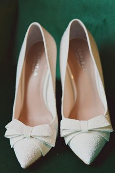 white bow wedding shoes