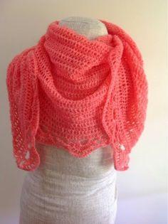 Undeniable Glitter: Coral Semi-Hexagon Shawl, free crochet pattern, wrap, #haken, gratis patroon (Engels), semi hexagon, omslagdoek, #haakpatroon