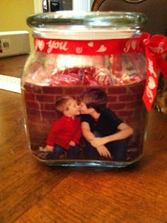 Easy craft to show your fam's love and send to grandparents and family members on Valentine's day!!