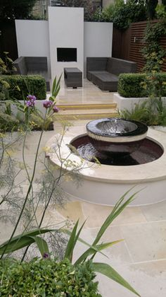 Award winning garden in South London with a Chalice water feature