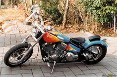 Yamaha XVS 650 Drag Star bobber. See more on CustomMANIA.com e upload your bike too!!!