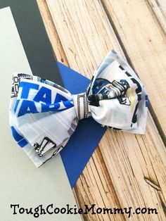Should you appreciate hair bows a person will enjoy our info! Diy Hair Bows, Diy Bow, Star Wars Crafts, Disney Bows, Star Wars Film, Mickey Mouse And Friends, Disney Crafts, Disney Inspired, Baby Headbands
