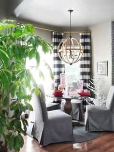 Project 5: Add Wow Factor to a Breakfast Nook - 10 Remodeling Projects to Do Before the Holidays on HGTV