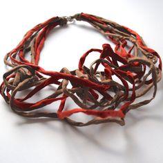 Jewelry  textile Orange foncé et Bronze déclaration fibre Necklace  CINNAMON  Shantung Necklace  Gift  de Noël à la main Bijoux fantaisie