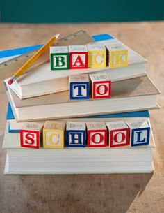 How to Ease Back to School Stress? Back To School Breakfast, Back To School Party, Back To School Night, Going Back To School, School Parties, First Day Of School, School Centerpieces, School Decorations, School Themes