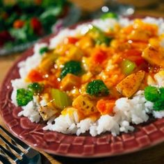 Easy Crockpot Sweet and Sour Chicken  -Crockpot Sweet and Sour Chicken is probably the easiest possible recipe. All...