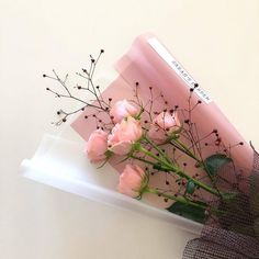 Find images and videos about love, pink and aesthetic on We Heart It - the app to get lost in what you love. Peach Aesthetic, Flower Aesthetic, Aesthetic Style, Korean Aesthetic, Japanese Aesthetic, Aesthetic Pastel, Aesthetic Fashion, Pretty In Pink, Beautiful Flowers