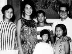 November 1967 (L-R) Ballsy, Cory, Noynoy, Viel, Pinky and Ninoy. Philippines Culture, Manila Philippines, Filipino Culture, Quezon City, 35th Birthday, Pinoy, Southeast Asia, Vintage Photos, Presidents