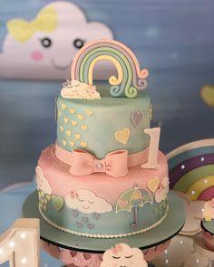 Apaixonada por esse bolo!!! @confeitariazuchi 🌧💕 Chuva de Amor - 1 aninho da Antonella 💕🌧 #festachuvadeamor