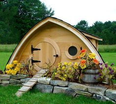Hobbit Hole Chicken Coop, Small