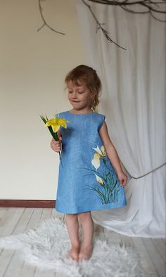 Let your child enjoy the wonderland of childhood with this sky blue linen dress for girl. Flower Girl Dresses Country, Little Girl Dresses, Girls Dresses, Linen Dresses, Cute Dresses, Girl Dress Patterns, Painted Clothes, Organic Baby Clothes, Baby Dress