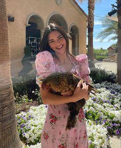 Kardashian Jenner, Kylie Jenner, Estilo Madison Beer, Pink Daisy, Kendall Jenner Outfits, Summer Aesthetic, Sky Aesthetic, Travel Aesthetic, Aesthetic Body