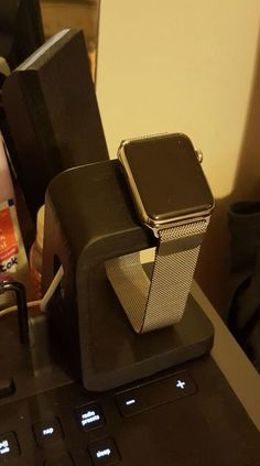 Apple watch stand spigen style by Cgtyklnc