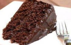 Simple Chocolate Cake - Recipes For Every Taste My Recipes, Sweet Recipes, Cake Recipes, Favorite Recipes, Chocolate Recipes, Chocolate Cake, Brazillian Food, How To Make Chocolate, Food Cakes