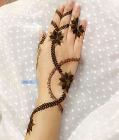 65 Fresh and Latest mehndi designs to try in 2020 Latest Arabic Mehndi Designs, Basic Mehndi Designs, Floral Henna Designs, Finger Henna Designs, Mehndi Designs For Beginners, Mehndi Designs For Girls, Mehndi Designs For Fingers, Latest Mehndi Designs, Mehndi Designs For Hands