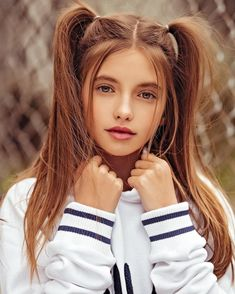 Pigtail girls a the best type Young Girl Models, Little Girl Models, Young Girl Fashion, Beautiful Little Girls, Beautiful Girl Image, Cute Little Girls, Teen Girl Poses, Cute Girl Poses, Cute Girl Face