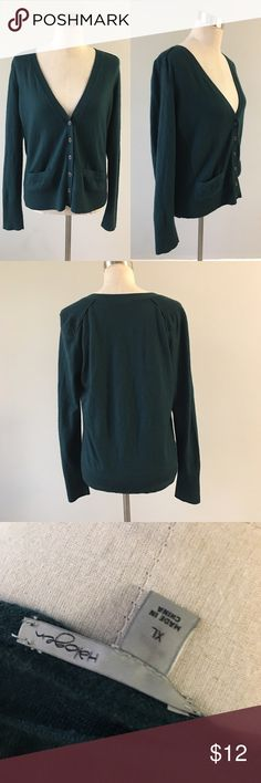 Halogen Dark Green Button Up Cardigan Halogen Dark Green Button Up Cardigan. Marked as an XL fits like a Large. 100% Merino Wool. In good condition slight pilling. Please see pictures. Thank you for looking at listing. Feel free to ask questions :)!   ✨⭐️️Bundle and save!⭐️✨10% off 2 items, 20% off 3 items & 30% off 5+ items!   •Sorry no trades. •No modeling. •No Low balls 🙅🏻 please and thank you! Halogen Sweaters Cardigans