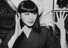 Yamaguchi Sayoko 山口 小夜子 (1949-2007) - Japan - 1970s Nippon-Graph