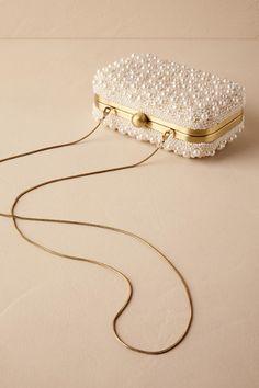 Super ideas for bridal accessories diy hair pieces Bridal Clutch, Wedding Clutch, Wedding Shoes, Chic Wedding, Lace Wedding, Wedding Dresses, Bridal Accessories, Bridal Jewelry, Accessories Display