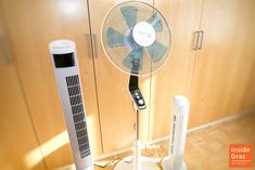 Welcher Ventilator macht sich gut an heißen Sommertagen? Home Appliances, Fan, Viajes, Nice Asses, House Appliances, Appliances, Hand Fan, Fans