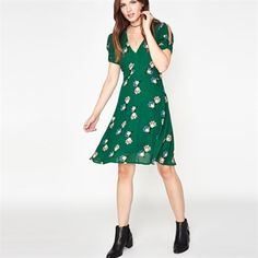 Miss Selfridge Women's Contemporary V-Neck Cold Shoulder Floral Print Dress