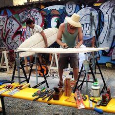 Dein eigenes Surfbrett bauen: ein Workshop mit Arbo Surfboards