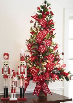 832 best christmas trees themed decor designs images xmas rh pinterest com