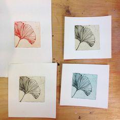 Etchings printed in the etching workshop yesterday in #KunstCentrum #Tholen   #printmaking #etching #etsen #grafischekunst #ginkgo #leaf #smalletchings #kleuretsen