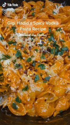 Fun Baking Recipes, Pasta Recipes, Dinner Recipes, Cooking Recipes, Vodka Pasta, Vegetarian Recipes, Healthy Recipes, Food Cravings, Food Dishes