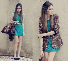 Morena Raiz Dress, Romwe Blazer, Vintage Bag