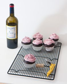 Red wine cupcakes for girls night- must!
