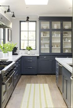 Awesome 80 Awesome Modern Farmhouse Kitchen Cabinets Ideas https://roomaniac.com/80-awesome-modern-farmhouse-kitchen-cabinets-ideas/