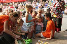 Kúpeľné leto začína aj v Bardejovských kúpeľoch Bardejovské kúpele vás pozývajú na Deň detí a požehnanie prameňov   Bardejovské kúpele, a. s., pripravili na prelom mája a júna niekoľko zaujímavých kultúrno-spoločenských akcií. Počas posledného májového víkendu sa tu uskutočnia oslavy dňa detí a o týždeň neskôr otvoria kúpeľnú sezónu. Informovala o tom ekonomicko-obchodná riaditeľka Bardejovských kúpeľov Tamara Šatanková. ,,V nedeľu 29. mája 2016 sa od 13.00 hod., v areáli pred Kúpeľnou…