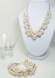 Pearl Cluster Jewelry- Ivory/Off white bridal jewelry set of necklace, chunky jewelry,bridal jewelry, bridesmaid gift, custom made jewelry on Etsy, $45.00