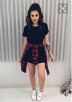 Discover and organize outfit ideas for your clothes. Decide your daily outfit with your wardrobe clothes, and discover the most inspiring personal style Tumblr Outfits, Hipster Outfits, Girly Outfits, Mode Outfits, Grunge Outfits, Outfits For Teens, Trendy Outfits, Fashion Outfits, Edgy School Outfits