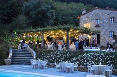 'Valle di Badia' in Tuscany is one of those unique rustic wedding venues in Italy, utterly charming, in a great location and with lots of space to host an enchanting Italian wedding, you and your guests will never want to leave