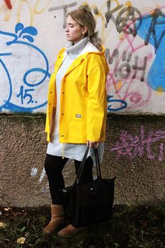 YELLOW RAINCOAT RUKKA