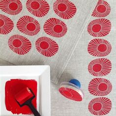 All About Block-Printed Textiles: Inspiration & DIY Tips { week one } of the challenge 2015 by Yardage Design :: block printed sunbursts in red ink on grey linen Stamp Printing, Printing On Fabric, Screen Printing, Fabric Painting, Fabric Art, Fabric Design, Encaustic Painting, Motifs Textiles, Textile Prints