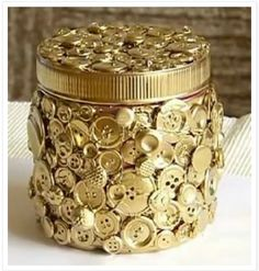 Button art....treasure box;)