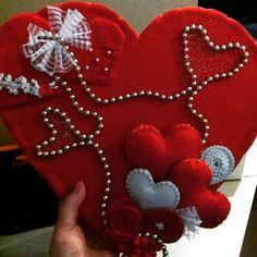 #felt #feltdesign #feltlove #heart #feltwraith #handmade #gifts #kalp #keceaski #kecehobi #felthobby  #keceisleri #kapisusu #kalpler #elyapimi