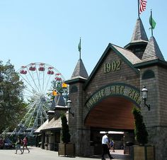 New Hampshire Parks | Canobie Lake Park began as a picnic park in 1902.